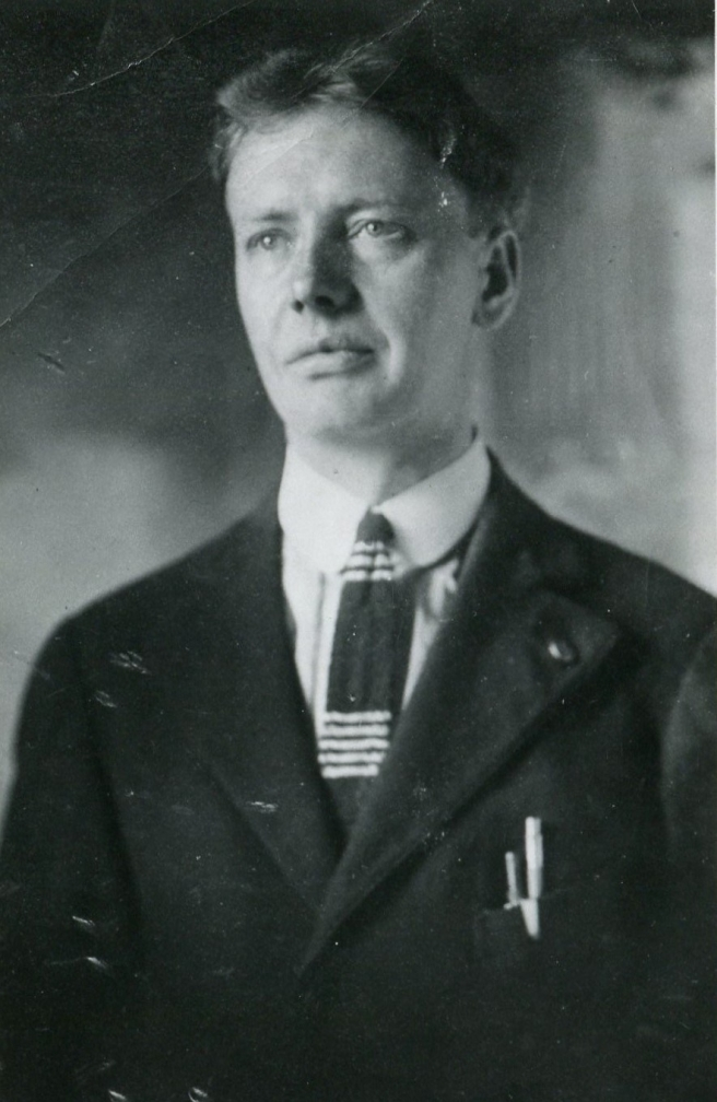 ernest or earnest newport in his early 20s b nov 24 1896 (2)